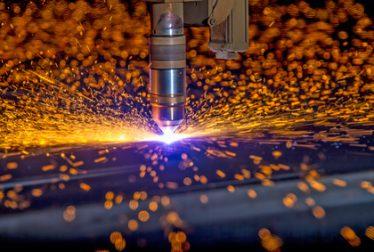 CNC Plasma torch cutting steelplate
